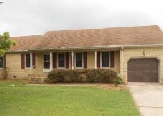 Pre Foreclosure in Suffolk 23434 ROBS DR - Property ID: 1310430627