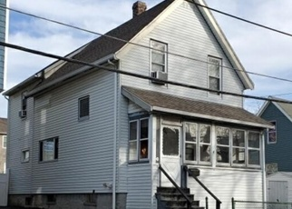 Pre Foreclosure in Medford 02155 ROCKWELL AVE - Property ID: 1310570335