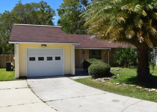 Pre Foreclosure in Orange Park 32073 PLAINFIELD AVE - Property ID: 1311316647