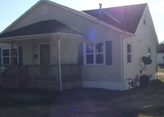 Pre Foreclosure in Zanesville 43701 EPPLEY AVE - Property ID: 1311355629