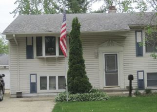 Pre Foreclosure in Glendale Heights 60139 BELDEN AVE - Property ID: 1312448365