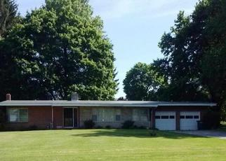Pre Foreclosure in Red Lion 17356 COUNTRY CLUB RD - Property ID: 1313185478