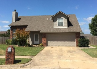 Pre Foreclosure in Owasso 74055 N 108TH EAST AVE - Property ID: 1313539810