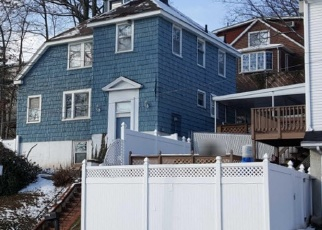 Pre Foreclosure in Staten Island 10306 RICHMOND RD - Property ID: 1313903768