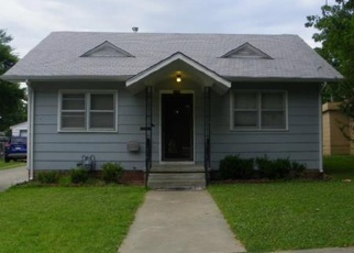 Pre Foreclosure in Coffeyville 67337 W 3RD ST - Property ID: 1314377198