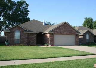 Pre Foreclosure in Mustang 73064 W CHURCHILL WAY - Property ID: 1314380267