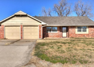 Pre Foreclosure in Mustang 73064 W HUNTINGTON WAY - Property ID: 1314399995
