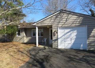 Pre Foreclosure in Mastic 11950 BURNEY BLVD - Property ID: 1314850208