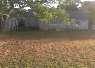 Pre Foreclosure in Center Moriches 11934 MALLARD DR - Property ID: 1314929494