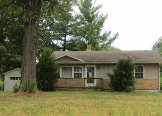 Pre Foreclosure in Corydon 47112 FOGEL RD SE - Property ID: 1315638572