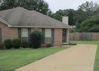 Pre Foreclosure in Millbrook 36054 TANGLEWOOD CT - Property ID: 1316848251
