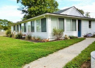 Pre Foreclosure in Topping 23169 LOCUST GROVE RD - Property ID: 1317101852