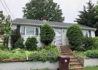 Pre Foreclosure in Revere 02151 E MOUNTAIN AVE - Property ID: 1317154396