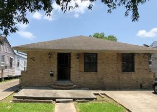 Pre Foreclosure in New Orleans 70114 SHIRLEY DR - Property ID: 1318019400