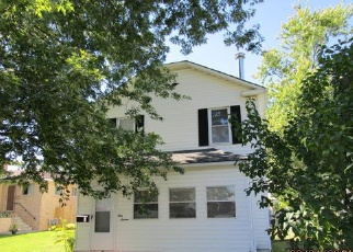 Pre Foreclosure in Elyria 44035 LONGFELLOW ST - Property ID: 1318211225