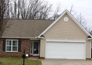 Pre Foreclosure in Greensboro 27405 TRAILSHEAD DR - Property ID: 1318278234