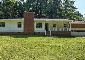 Pre Foreclosure in Greensboro 27410 OVERMAN ST - Property ID: 1318290958