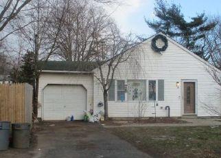 Pre Foreclosure in Central Islip 11722 CASEMENT AVE - Property ID: 1318485399