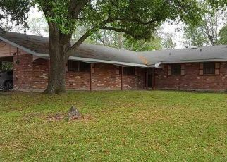Pre Foreclosure in Baton Rouge 70814 WARREN DR - Property ID: 1319122208