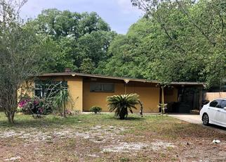 Pre Foreclosure in Tampa 33617 N HYALEAH RD - Property ID: 1319622383