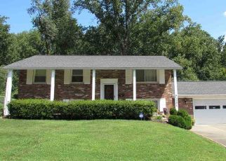 Pre Foreclosure in Evansville 47720 WESTERN HILLS DR - Property ID: 1320636287