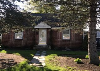 Pre Foreclosure in North Kingstown 02852 KING PHILLIP DR - Property ID: 1321419838