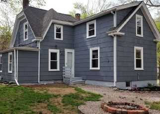 Pre Foreclosure in Middleboro 02346 CLARA ST - Property ID: 1321462308