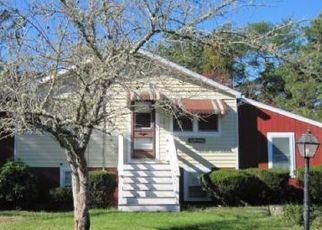 Pre Foreclosure in East Wareham 02538 BLACKBIRD AVE - Property ID: 1321463631