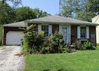 Pre Foreclosure in Toledo 43613 ADELLA ST - Property ID: 1322023357