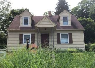 Pre Foreclosure in Pittsburgh 15237 THOMPSON RUN RD - Property ID: 1322104378