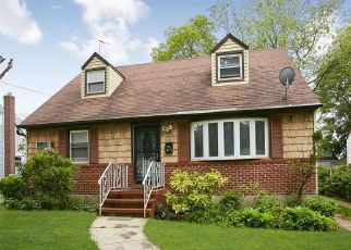Pre Foreclosure in Rockville Centre 11570 CLINTON AVE - Property ID: 1322235332