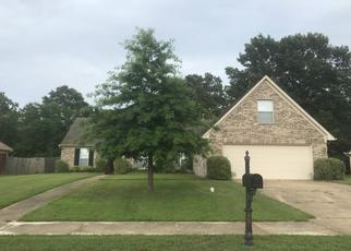 Pre Foreclosure in Olive Branch 38654 WHITE HAWK LN - Property ID: 1322509960