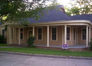 Pre Foreclosure in Vicksburg 39180 OAK ST - Property ID: 1322513895