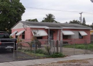Pre Foreclosure in Opa Locka 33054 NW 154TH TER - Property ID: 1322630834