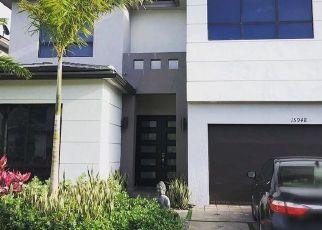 Pre Foreclosure in Miami 33196 SW 136TH WAY - Property ID: 1322691710