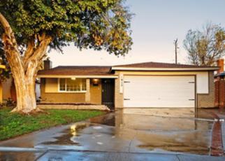 Pre Foreclosure in Hanford 93230 N WAUKENA WAY - Property ID: 1322942670