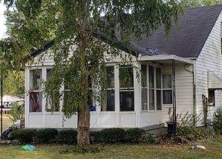 Pre Foreclosure in Fairdale 40118 MASON LN - Property ID: 1322973773