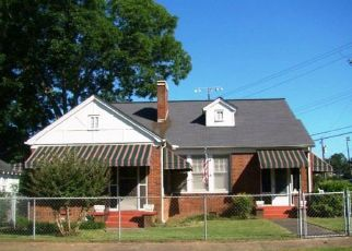 Pre Foreclosure in Anniston 36207 ROCKY HOLLOW RD - Property ID: 1324158480