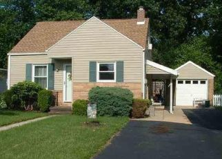Pre Foreclosure in York 17406 NORTHLAND AVE - Property ID: 1324229433