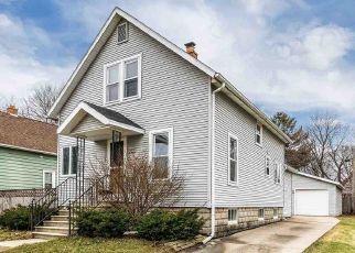 Pre Foreclosure in Oshkosh 54901 GROVE ST - Property ID: 1324245639
