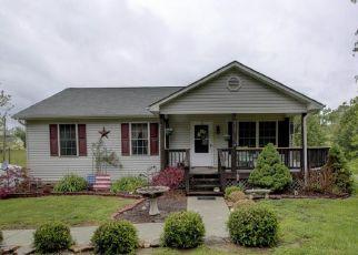 Pre Foreclosure in Goodview 24095 STEWARTSVILLE RD - Property ID: 1324484777