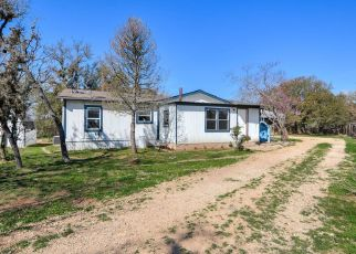 Pre Foreclosure in Comfort 78013 FRIENDSHIP DR - Property ID: 1324681418