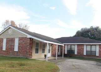 Pre Foreclosure in Slidell 70460 HOLMES DR - Property ID: 1324927562