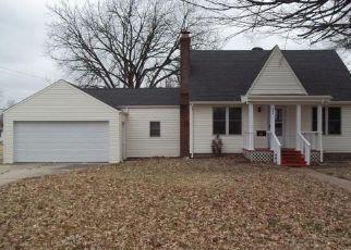 Pre Foreclosure in O Fallon 62269 E JEFFERSON ST - Property ID: 1325020861