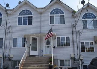 Pre Foreclosure in Staten Island 10304 LAUREL AVE - Property ID: 1325027869