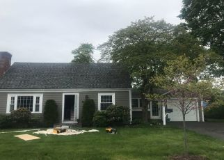 Pre Foreclosure in Barrington 02806 PROSPECT ST - Property ID: 1325117648