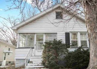 Pre Foreclosure in Peoria 61604 N LINSLEY ST - Property ID: 1325297206