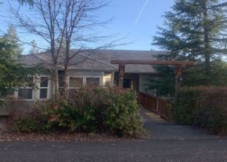 Pre Foreclosure in Shady Cove 97539 PINETOP TER - Property ID: 1325783359