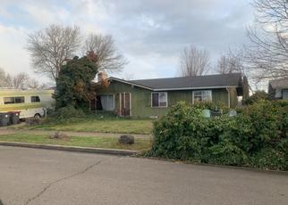 Pre Foreclosure in Medford 97504 COQUETTE ST - Property ID: 1325787300