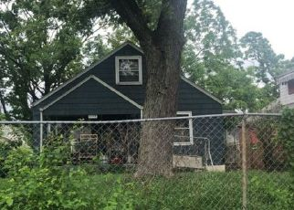 Pre Foreclosure in Columbus 43211 E 20TH AVE - Property ID: 1325909947